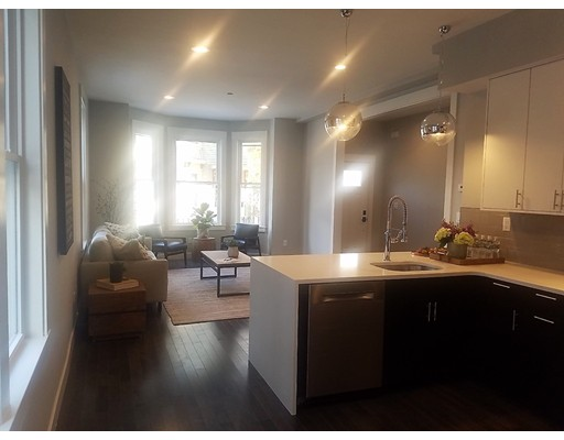 Condominio por un Venta en 7 Greenley Place 7 Greenley Place Boston, Massachusetts 02130 Estados Unidos