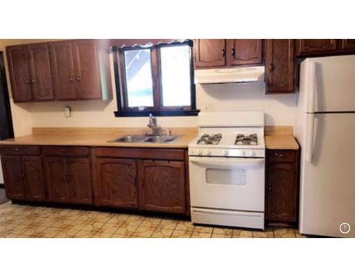 Квартира для того Аренда на 44 Cypress St #1 44 Cypress St #1 Ludlow, Массачусетс 01056 Соединенные Штаты