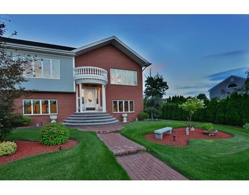 واحد منزل الأسرة للـ Sale في 201 Montgomery Circle 201 Montgomery Circle Fall River, Massachusetts 02720 United States