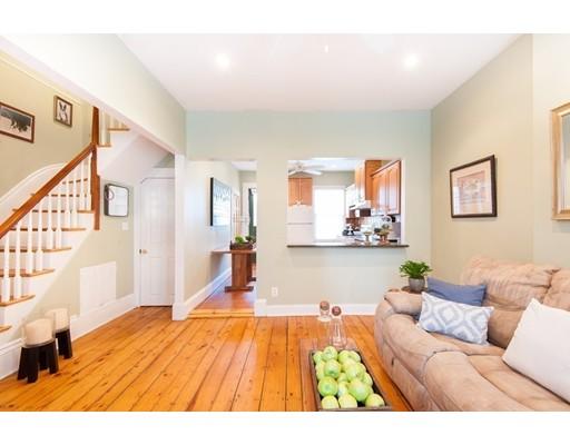 Maison unifamiliale pour l Vente à 26 F Street 26 F Street Boston, Massachusetts 02127 États-Unis