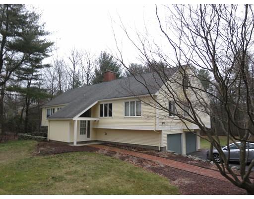 Maison unifamiliale pour l Vente à 41 Woodland Street 41 Woodland Street Sherborn, Massachusetts 01770 États-Unis