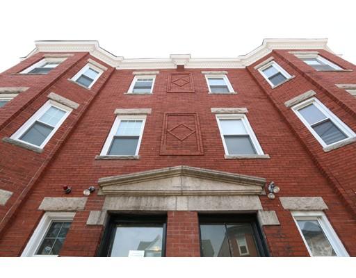 Частный односемейный дом для того Аренда на 75 Ruthven Street 75 Ruthven Street Boston, Массачусетс 02121 Соединенные Штаты