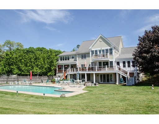 Single Family Home for Sale at 690 Bay Road 690 Bay Road Hamilton, Massachusetts 01982 United States