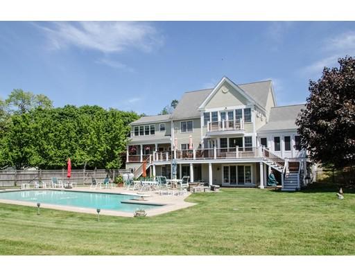 Частный односемейный дом для того Продажа на 690 Bay Road 690 Bay Road Hamilton, Массачусетс 01982 Соединенные Штаты