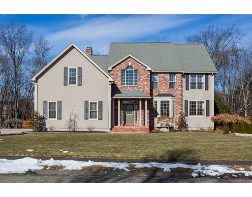 独户住宅 为 销售 在 42 San Souci Drive 42 San Souci Drive South Hadley, 马萨诸塞州 01075 美国