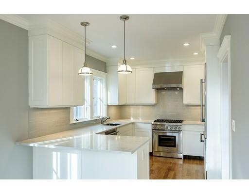 Appartement en copropriété pour l Vente à 23 Waverley Avenue #23 23 Waverley Avenue #23 Newton, Massachusetts 02458 États-Unis