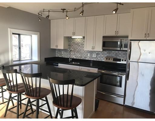 独户住宅 为 出租 在 386 E 8th Street 波士顿, 马萨诸塞州 02127 美国