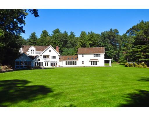 Maison unifamiliale pour l Vente à 267 Dedham Street 267 Dedham Street Dover, Massachusetts 02030 États-Unis