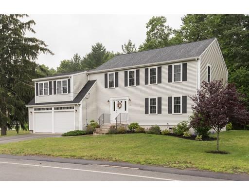 Maison unifamiliale pour l Vente à 575 Salem Street 575 Salem Street Rockland, Massachusetts 02370 États-Unis