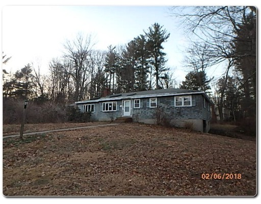 Single Family Home for Sale at 1 Holly Lane 1 Holly Lane Groveland, Massachusetts 01834 United States