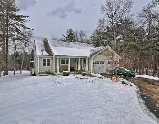 Частный односемейный дом для того Продажа на 154 Sabin Street 154 Sabin Street Belchertown, Массачусетс 01007 Соединенные Штаты