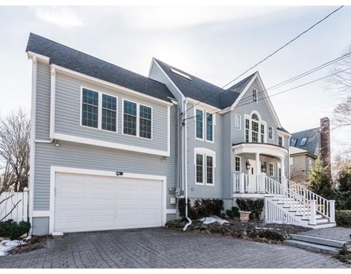 Maison unifamiliale pour l Vente à 1392 Beacon Street 1392 Beacon Street Newton, Massachusetts 02468 États-Unis