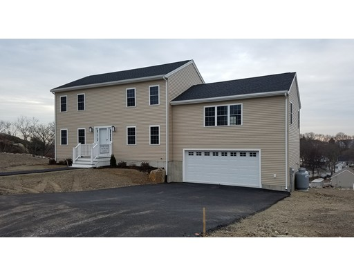 Maison unifamiliale pour l Vente à 1 Tsitsinos Drive 1 Tsitsinos Drive Peabody, Massachusetts 01960 États-Unis