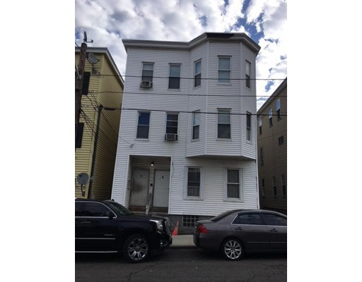 Casa Multifamiliar por un Venta en 6 Nahant Avenue 6 Nahant Avenue Revere, Massachusetts 02151 Estados Unidos