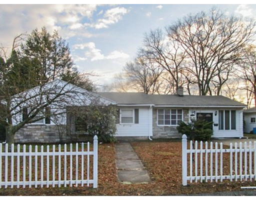 Single Family Home for Sale at 24 Spring Hill Drive 24 Spring Hill Drive Johnston, Rhode Island 02919 United States