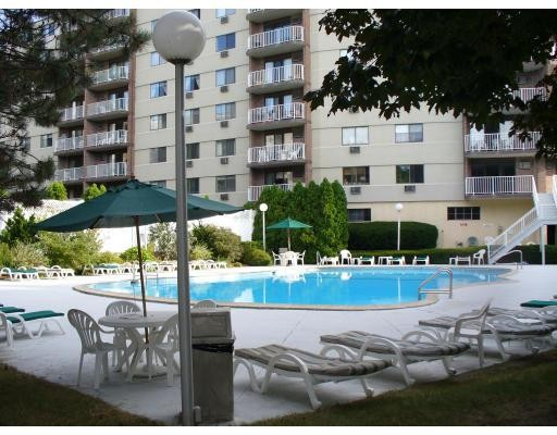 Condominio por un Venta en 151 Coolidge Avenue 151 Coolidge Avenue Watertown, Massachusetts 02472 Estados Unidos