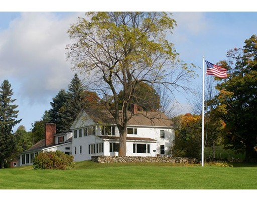 Casa Unifamiliar por un Venta en 633 Northwest Hill Road 633 Northwest Hill Road Williamstown, Massachusetts 01267 Estados Unidos