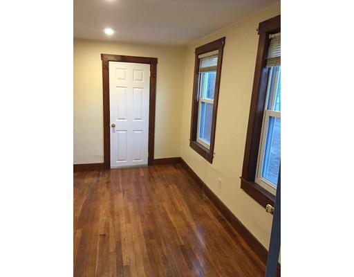 شقة للـ Rent في 102 Central Street #2 102 Central Street #2 Rockland, Massachusetts 02370 United States