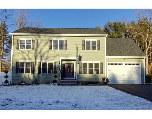 Частный односемейный дом для того Продажа на 10 Villa Drive 10 Villa Drive Foxboro, Массачусетс 02035 Соединенные Штаты