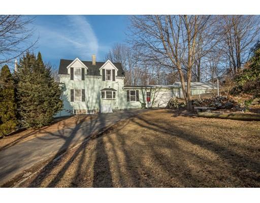 Частный односемейный дом для того Продажа на 27 Walden Pond Avenue 27 Walden Pond Avenue Saugus, Массачусетс 01906 Соединенные Штаты