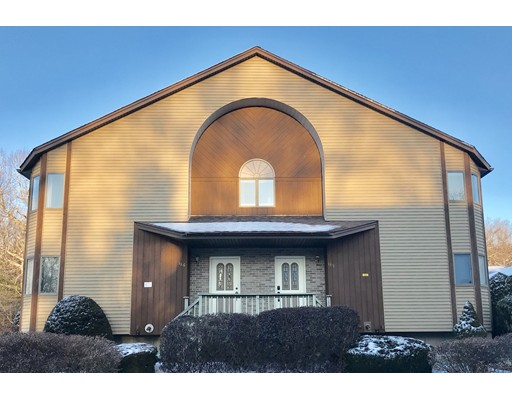 共管式独立产权公寓 为 销售 在 185 Pine Grove Drive 185 Pine Grove Drive South Hadley, 马萨诸塞州 01075 美国