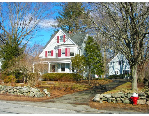 Single Family Home for Sale at 144 Oakland Street 144 Oakland Street Wellesley, Massachusetts 02481 United States