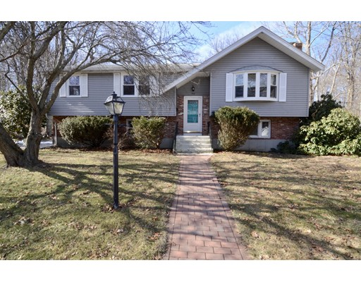 Single Family Home for Sale at 40 Old Colony Drive 40 Old Colony Drive Weymouth, Massachusetts 02188 United States