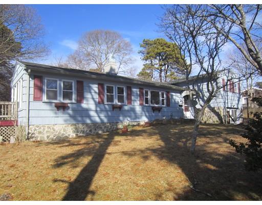 Casa Unifamiliar por un Venta en 14 Smith Road 14 Smith Road Yarmouth, Massachusetts 02664 Estados Unidos