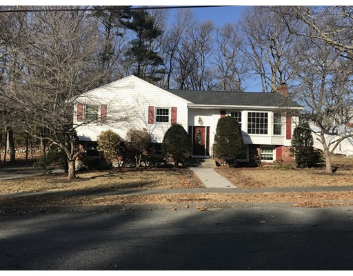 Casa Unifamiliar por un Venta en 18 Hampshire Road Peabody, Massachusetts 01960 Estados Unidos