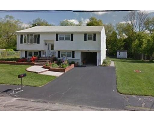 Casa Unifamiliar por un Alquiler en 22 Karen Drive 22 Karen Drive Randolph, Massachusetts 02368 Estados Unidos