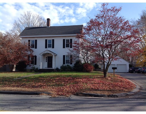 Casa unifamiliar adosada (Townhouse) por un Alquiler en 163 Main St. #A 163 Main St. #A Wayland, Massachusetts 01778 Estados Unidos