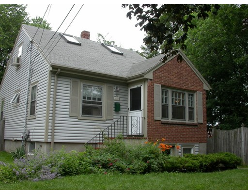 Single Family Home for Sale at 35 Forest Street 35 Forest Street Arlington, Massachusetts 02476 United States