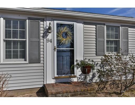 Casa Unifamiliar por un Venta en 94 Iroquois Blvd 94 Iroquois Blvd Yarmouth, Massachusetts 02673 Estados Unidos