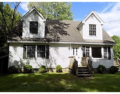 واحد منزل الأسرة للـ Sale في 570 Dingle Road 570 Dingle Road Worthington, Massachusetts 01098 United States