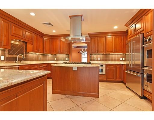 واحد منزل الأسرة للـ Sale في 55 Sutherland Drive 55 Sutherland Drive Somerset, Massachusetts 02726 United States