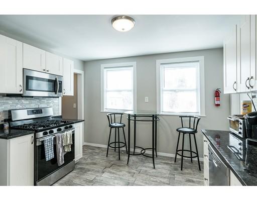 Apartamento por un Alquiler en 40 Newcastle Rd #2 40 Newcastle Rd #2 Boston, Massachusetts 02135 Estados Unidos