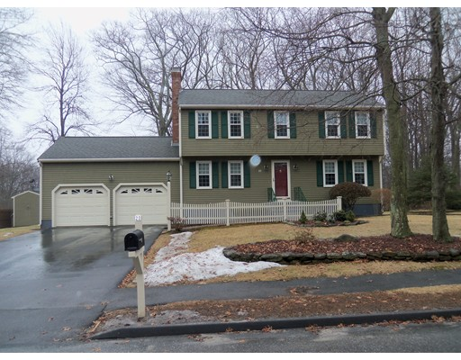 واحد منزل الأسرة للـ Sale في 20 Joseph Road 20 Joseph Road Milford, Massachusetts 01757 United States