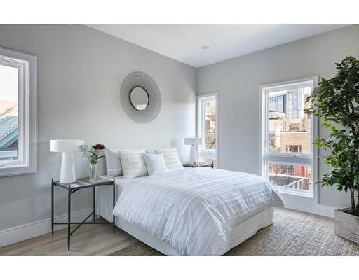 Single Family Home for Sale at 125 Brookline Street 125 Brookline Street Cambridge, Massachusetts 02139 United States