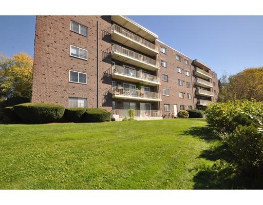 Condominio por un Venta en 18 Hamilton Road #508 18 Hamilton Road #508 Arlington, Massachusetts 02474 Estados Unidos