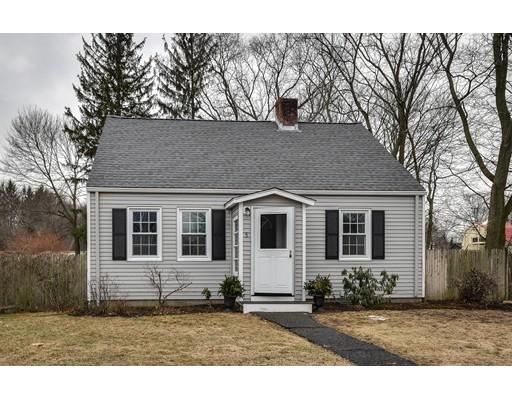 Maison unifamiliale pour l Vente à 5 Pine Street 5 Pine Street Natick, Massachusetts 01760 États-Unis