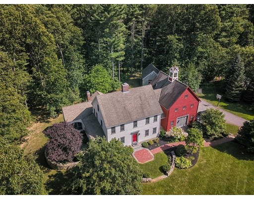 واحد منزل الأسرة للـ Sale في 63 Buttrick Lane 63 Buttrick Lane Carlisle, Massachusetts 01741 United States
