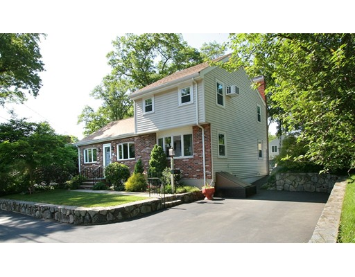 Casa Unifamiliar por un Venta en 20 Catalpa Street 20 Catalpa Street Wakefield, Massachusetts 01880 Estados Unidos