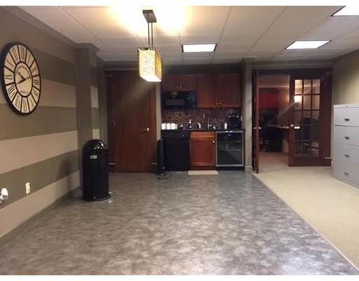 Commercial للـ Rent في 354 Turnpike Street 354 Turnpike Street Canton, Massachusetts 02021 United States