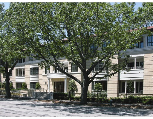 Condominium for Sale at 1140 Beacon Street 1140 Beacon Street Brookline, Massachusetts 02446 United States