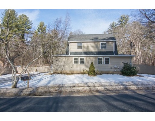 Single Family Home for Sale at 42 Tenney Street 42 Tenney Street Georgetown, Massachusetts 01833 United States
