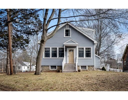 Maison unifamiliale pour l Vente à 4 Arcadia Road 4 Arcadia Road Natick, Massachusetts 01760 États-Unis
