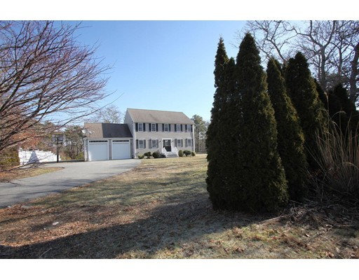 Single Family Home for Sale at 400 Old Plymouth Road 400 Old Plymouth Road Bourne, Massachusetts 02562 United States