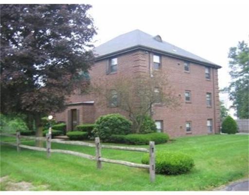 公寓 为 出租 在 31 Townsend Street #2 31 Townsend Street #2 阿宾顿, 马萨诸塞州 02351 美国