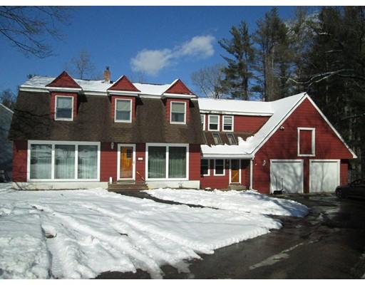 Частный односемейный дом для того Продажа на 15 Trotting Park Road 15 Trotting Park Road Lowell, Массачусетс 01854 Соединенные Штаты