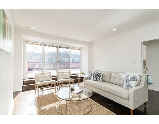 公寓 为 出租 在 1620 Beacon Street #4 1620 Beacon Street #4 布鲁克莱恩, 马萨诸塞州 02446 美国